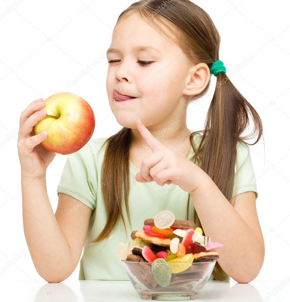 depositphotos_18869927-stock-photo-little-girl-choosing-between-apples.jpg
